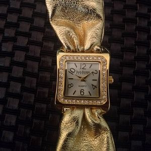 VTG Joan Rivers leather strap watch